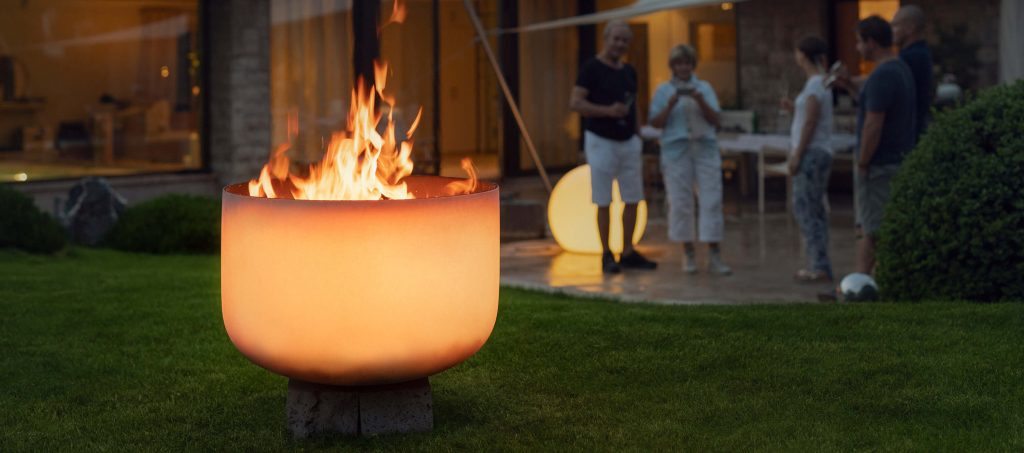 Q-Flame glass fire bowl for outdoor and garden use